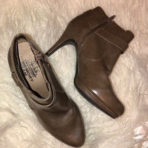 LifeStride memory foam ankle boots